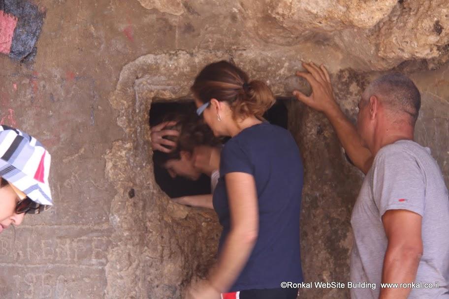 טיול למערת אורנית ועין קדם בכרמל