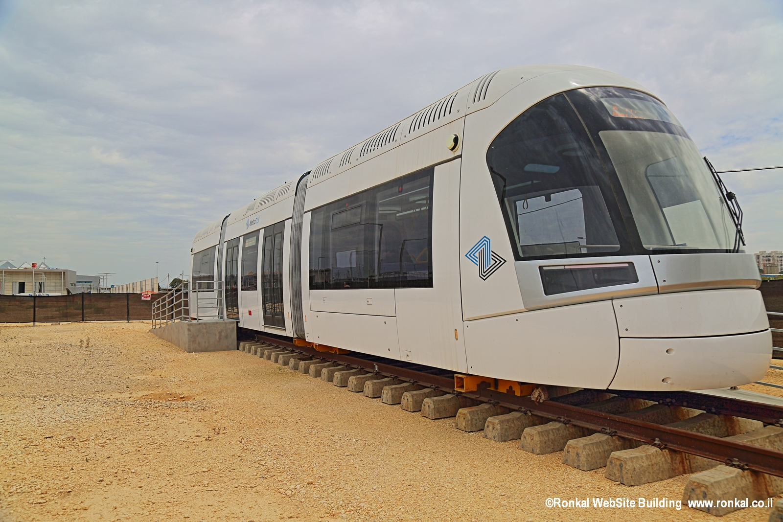 סיור ברכבת הקלה המוקמת בתל אביב